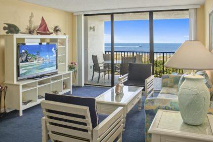 Cape-Winds-Resort-living-2