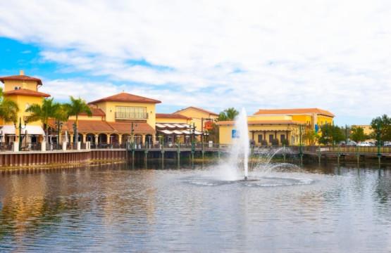 Coconut Point Mall Estero