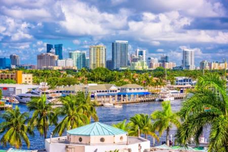 Fort-Lauderdale Skyline und Wasserstraße