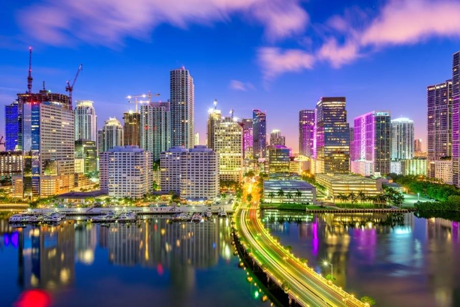 Miami Skyline bei Nacht