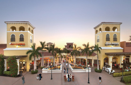 Miromar Outlets in Estero Eingang