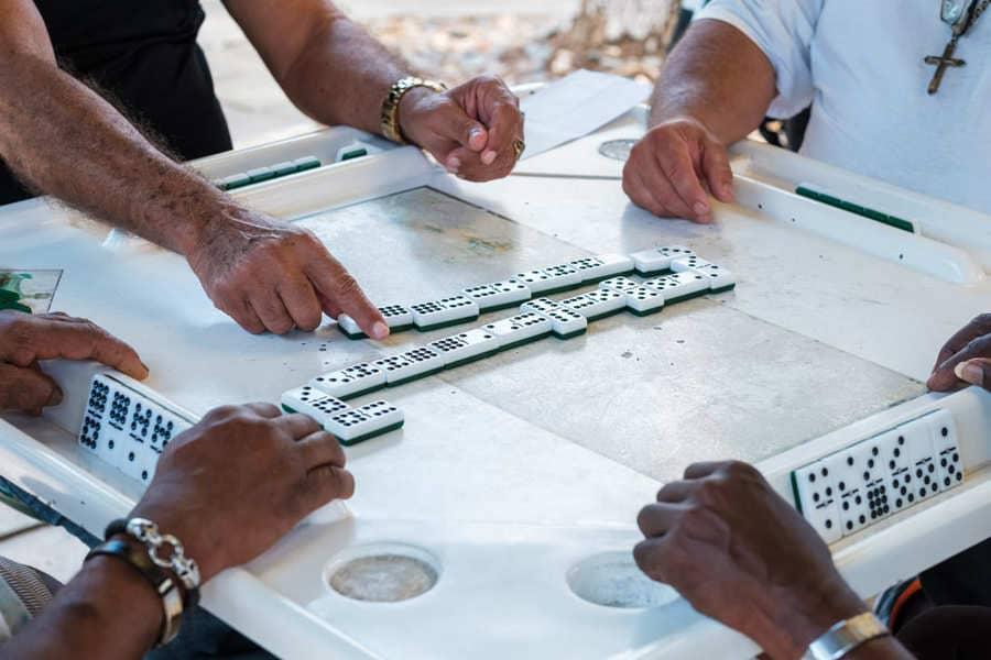 Little Havana Miami Florida Männer spielen Domino