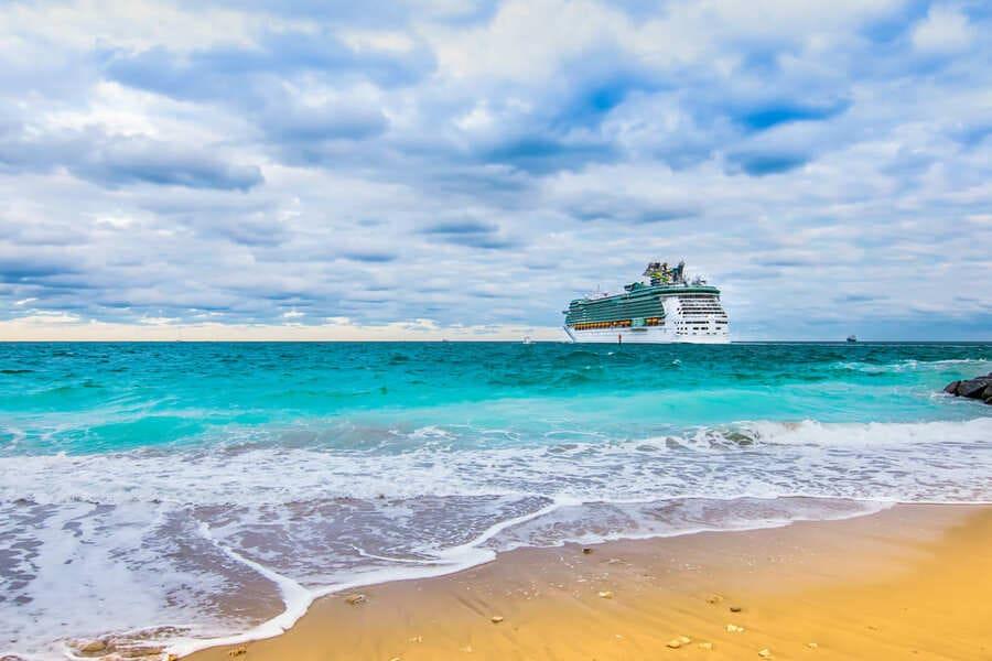 Port Everglades Fort Lauderdale Florida Schiff auf dem Meer