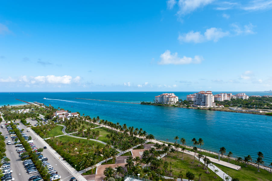South Pointe Park Pier Blick nach Fisher Island Florida